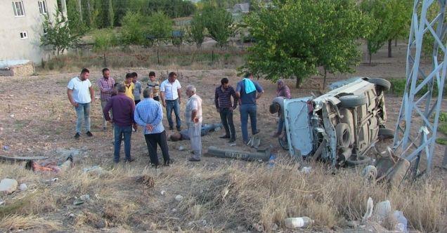 Afşin'de otomobil takla attı: 3 yaralı