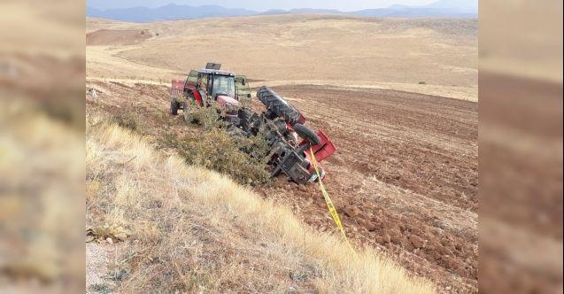 Elbistan'da devrilen traktörün altında kalan yaşlı kadın hayatını kaybetti