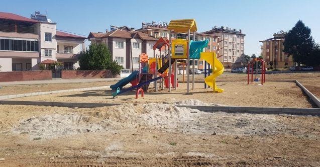 Elbistan Belediyesi 7 mahalleye 10 adet park yaptı