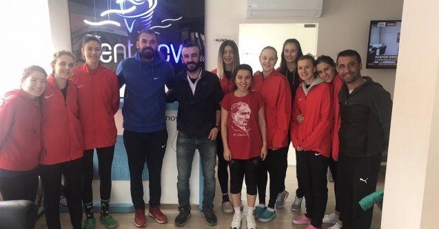 Doktor Ünsal'dan 'Filenin Sultanları'na maddi destek