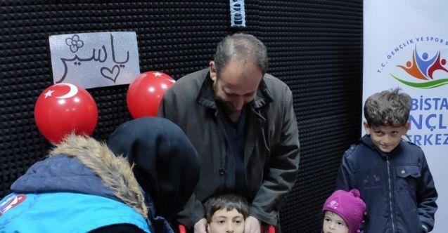 Elbistan'da Suriyeli engelli çocuğa doğum günü sürprizi