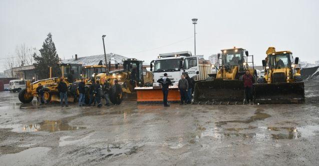 Elbistan belediyesi karla mücadele ekipleri teyakkuz halinde
