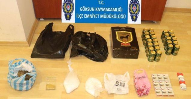 Göksun polisinden kaçakçılık operasyonu: Kaçak sigara, içki, cinsel hap ve uyuşturucu ele geçirildi