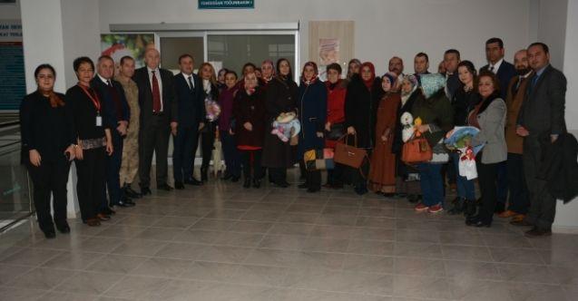 Elbistan'da 'İlk Elbiseleriniz Bizden Olsun' projesi ile anne bebeklere jest yapıldı