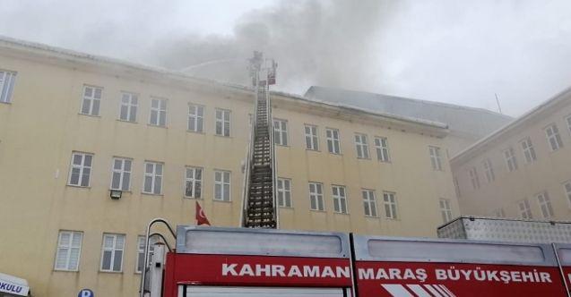 KSÜ Göksun Meslek Yüksek Okulu'nun çatısı yandı