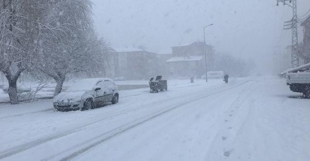 Elbistan'da beklenen kar geldi!