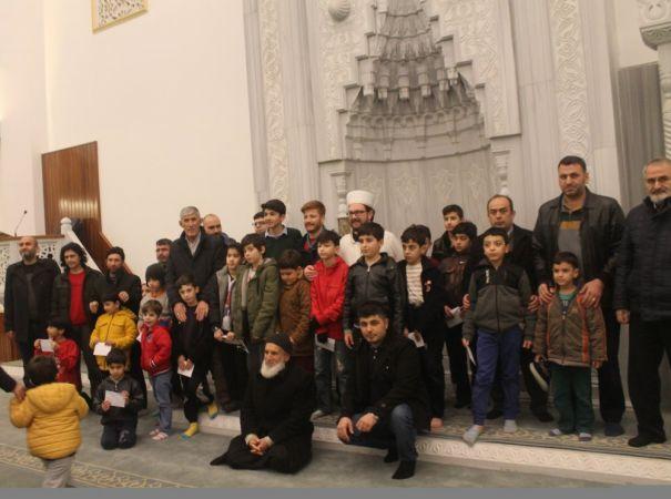 Kahramanmaraş'ta namazları 5 vakit camide kılan 345 çocuk ödüllendirildi
