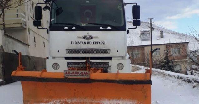 Elbistan Belediyesi karla mücadeleyi aralıksız sürdürüyor