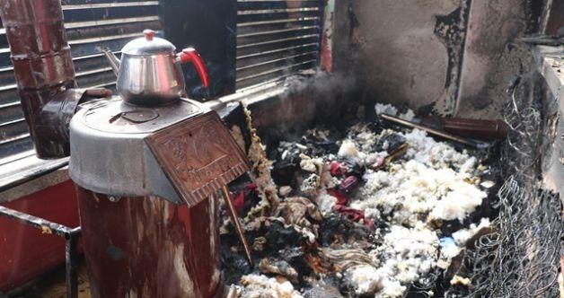 Kahramanmaraş'ta sobadan çıkan kıvılcım evi küle döndürdü! 1'i ağır 4 yaralı