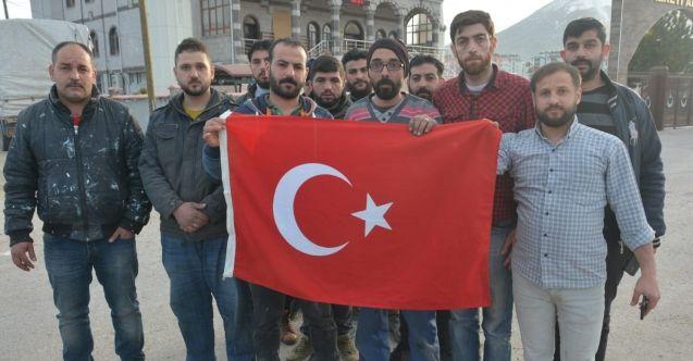 Elbistan'da bir grup Suriyeli 'Bahar Kalkanı' harekatına destek verdi