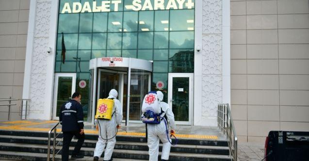 Elbistan'da kamu kurumları dezenfekte ediliyor