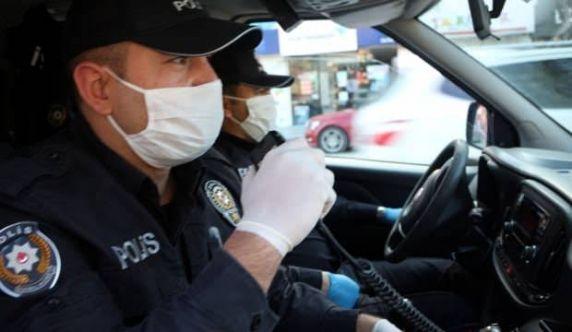 Elbistan'da polis vatandaşlara megafonla koronavirüs uyarısı yaptı