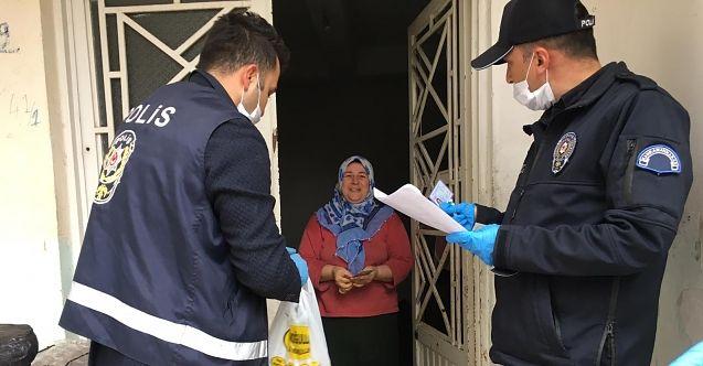 Elbistan polisi yardım paralarını evlere teslim ediyor
