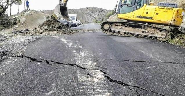 Ekinözü'nde sağanak yağış sonrası yol çöktü