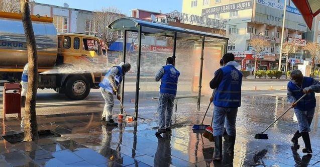 Elbistan Belediyesi cadde ve sokakları baştan aşağı yıkadı