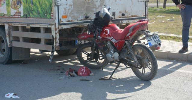 Elbistan'da kamyonete arkadan çarpan motosikletin sürücüsü yaralandı
