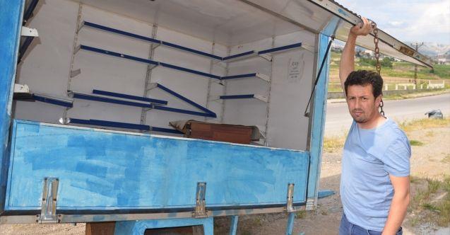 Vicdansızlar yasağı fırsat bilip çaycının konteynerını çaldı