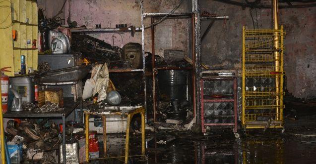 Elbistan'da Küçük Sanayi Sitesi'ndeki yangında oto tamirhanesi küle döndü