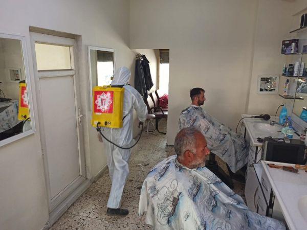 Elbistan belediyesi tarafından berber ve kuaför salonları dezenfekte edildi