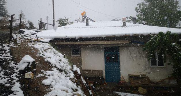 Elbistan ve Ekinözü'nde yüksek kesimlere kar yağdı