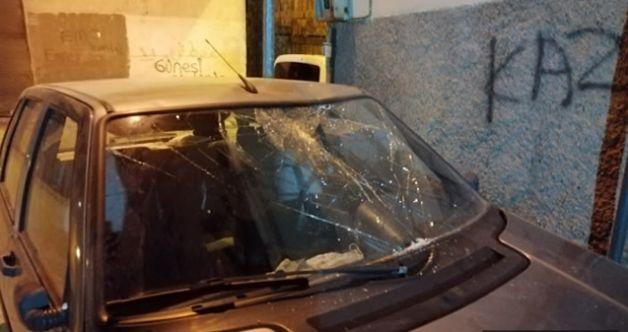 Korkutan olay: Kahramanmaraş'ta 6 yaşındaki çocuk arabanın üzerine düştü