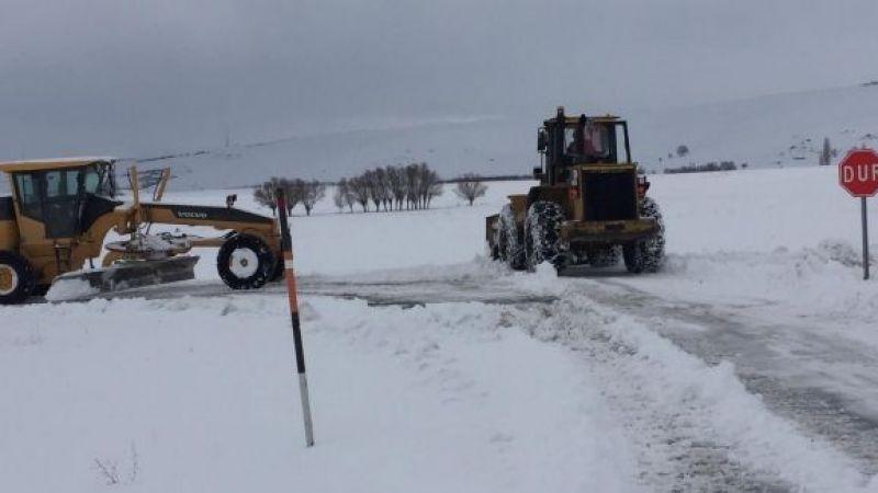 Elbistan, Ekinözü ve Nurhak ilçesinde karla mücadele çalışması devam ediyor