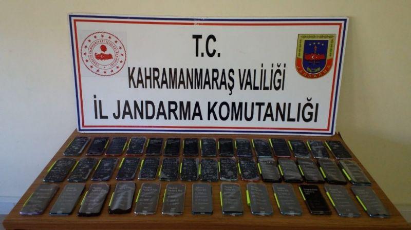 Jandarmadan kaçak cep telefonu operasyonu: 2 gözaltı