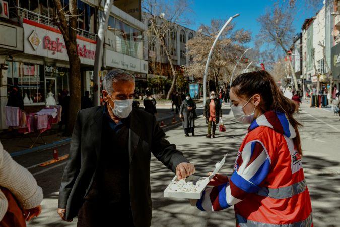 Elbistan'da düzenlenen alışveriş bayramı büyük ilgi gördü