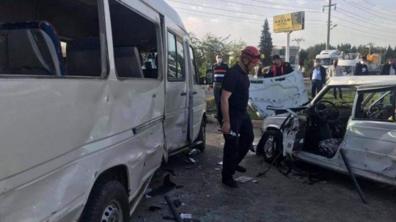 Feci kaza! Minibüs ile otomobil çarpıştı: 1 ölü