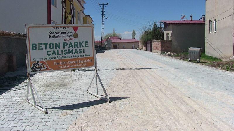 Büyükşehir'den Geçit Mahallesine parke çalışması