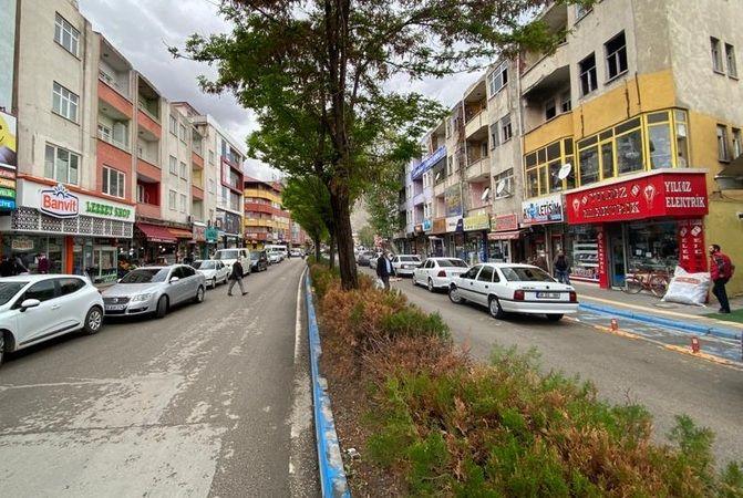 Elbistan'da tam kapanmanın ilk günü trafik yoğunluğu yaşandı
