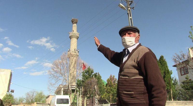 Elbistan'da leyler 62 yıldır aynı camiye konuyor