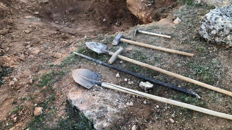 Elbistan'da kısıtlamada kaçak kazı yapan 4 şüpheli yakalandı