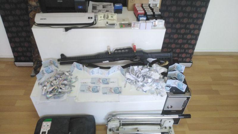 Elbistan'da sahte para basan 3 kişi yakalandı