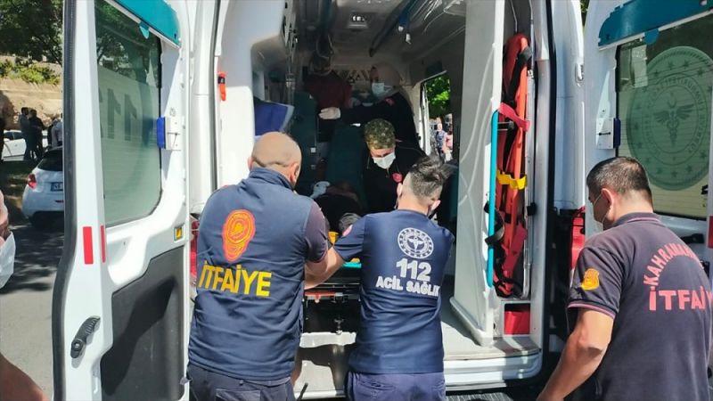 Kahramanmaraş'ta kaza! Park halindeki 2 araca çarptı: 1'i ağır 2 yaralı