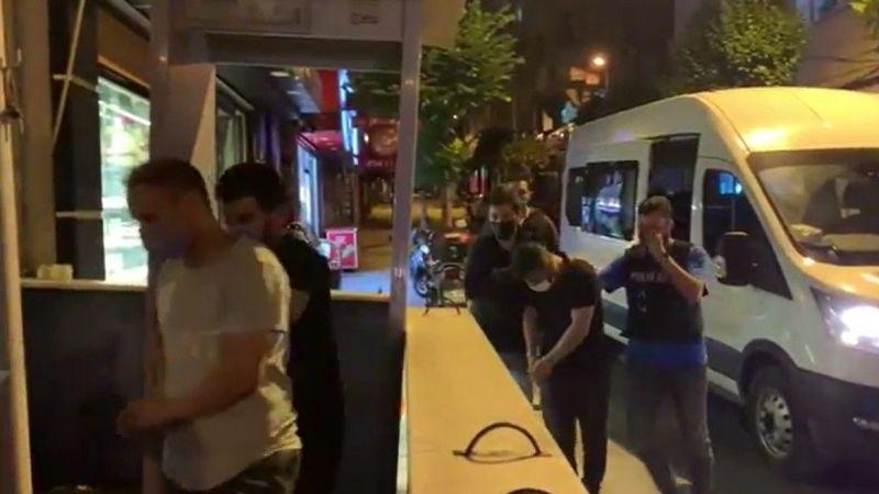 Covid-19 aşılarının ticaretini yapan 2 kişi polise yakalandı