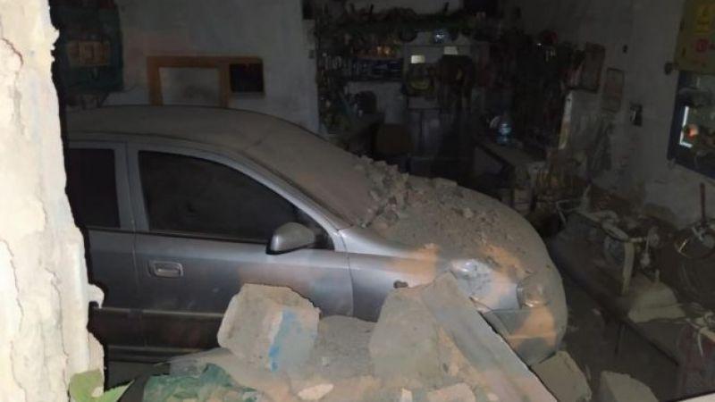 Elbistan'da otomobil tamirhaneye daldı: 3'ü çocuk 4 yaralı