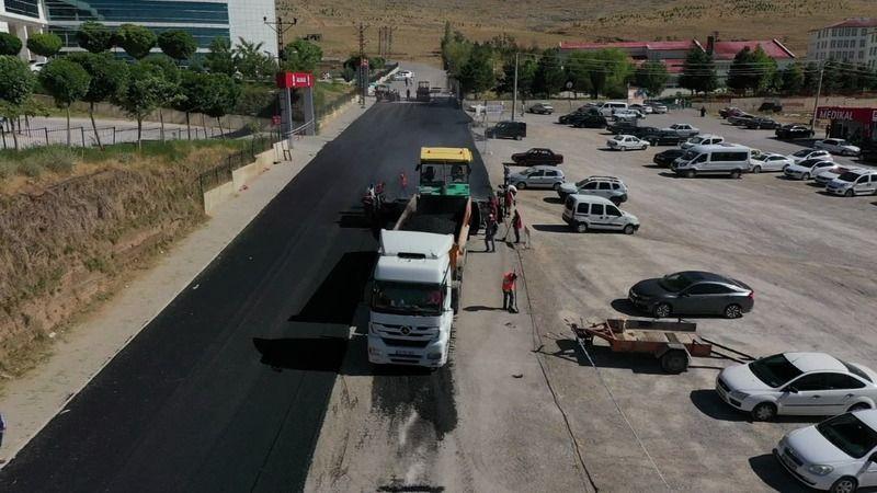 Elbistan'da hastane yolunda asfalt çalışmaları başladı