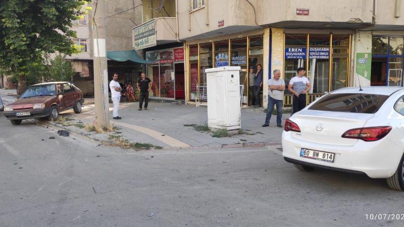 Elbistan'da iki otomobil çarpıştı: 1 hafif yaralı