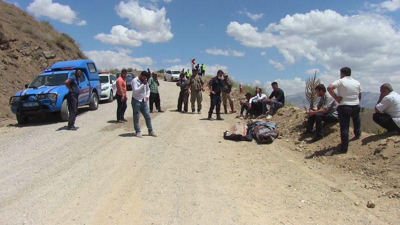 Ekinözü'nde otomobil uçuruma yuvarlandı: 2 ölü 2 yaralı