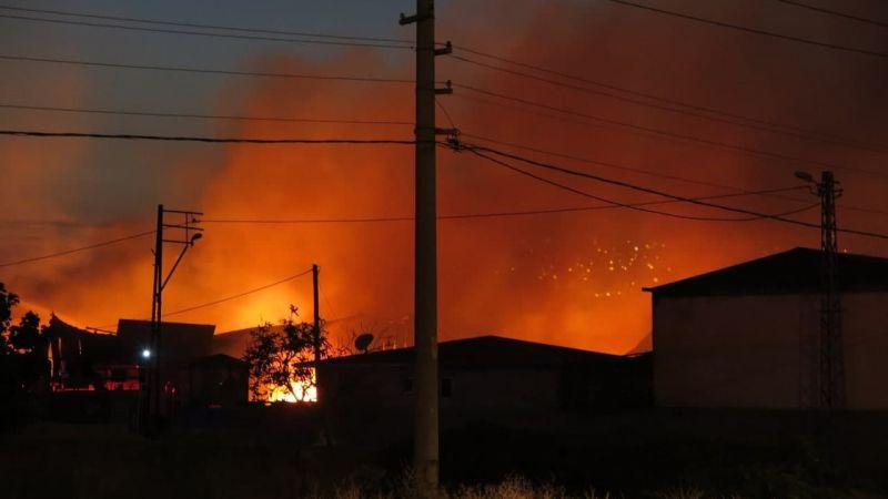 Kahramanmaraş'ta büyük yangın: 4 fabrika 2 depo kullanılmaz hale geldi
