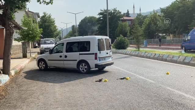 Hafif Ticari Araç İle Motosiklet çarpıştı! kazada motosiklet sürücüsü hayatını kaybetti