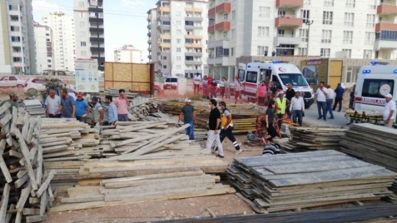 Elbistan'da inşaattan düşen işçi yaralandı
