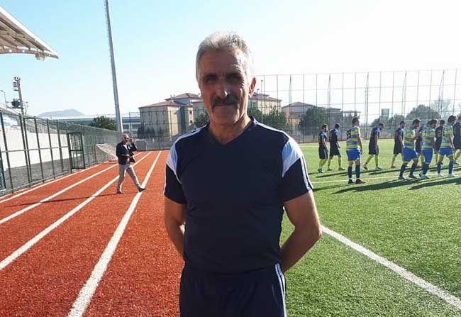 55 yaşındaki transfer ilk maçına çıktı...