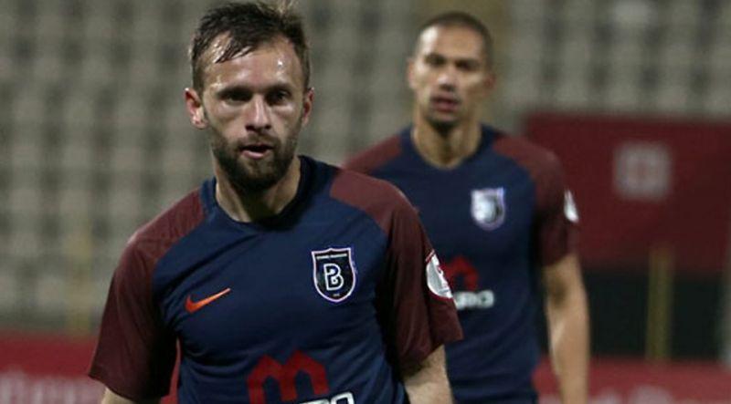 Akyazılı Hakan Özmert Başakşehir'den Antalyaspor'a gidiyor