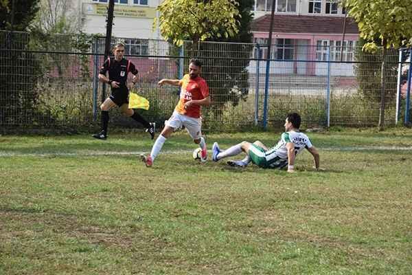 Akova Barışspor Kışlaçayspor'u rahat geçti - Son Dakika Spor