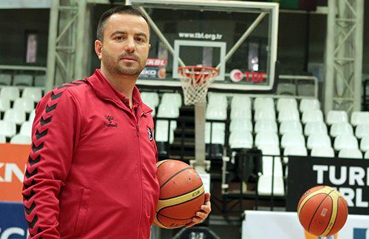 Basketbolda yeni koç Ozan Bulkaz