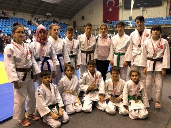 Judo'da 14 sporcu dereceye girdi