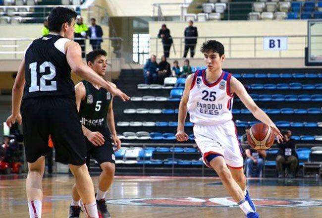 Büyükşehir Basket'in fişi çekiliyor
