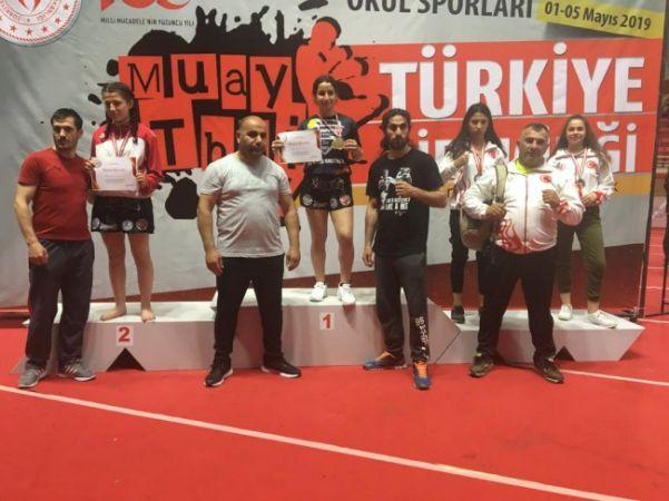 Beyza Ece Tokat 54 kg. B kategoride Türkiye 3. oldu